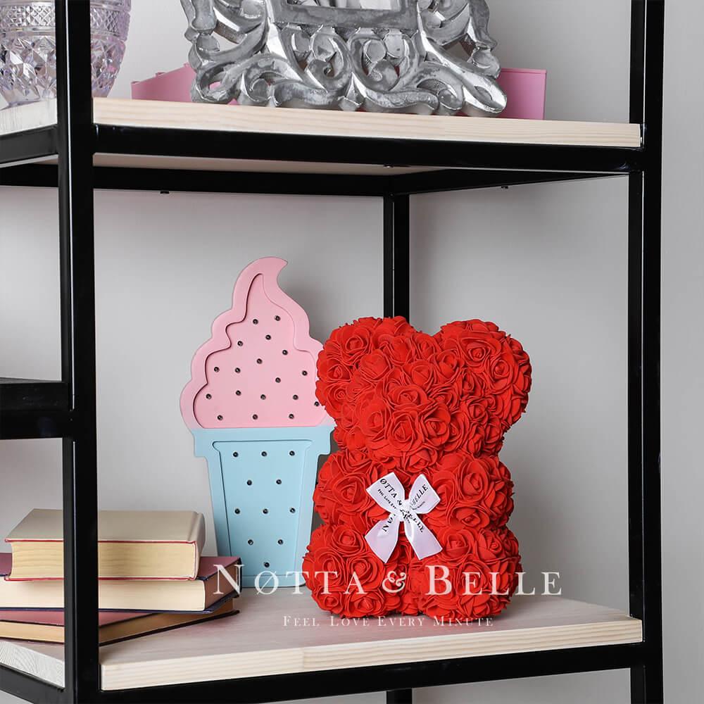 Červený medvídek z růží - 25cm