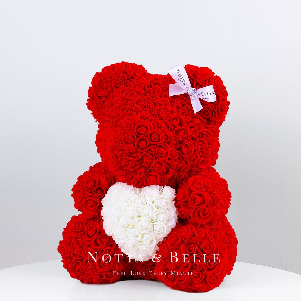 Červený medvídek z růží s srdcem - 35 cm