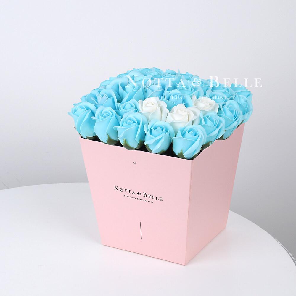 Мыльный букет голубого цвета №445 из 35 розы