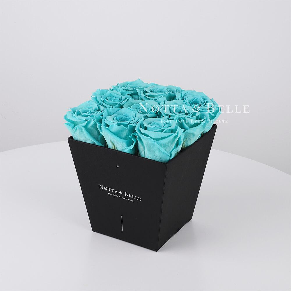 Türkisfarbener Rosenstrauß «Forever» in einer schwarzen Box – 9 Stück