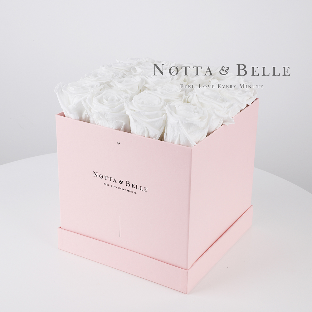 Долговечный букет из 17 белых роз - №485