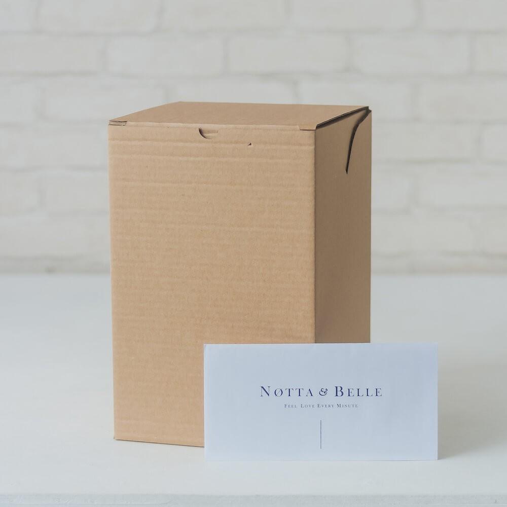 Картонная коробка для розы в колбе