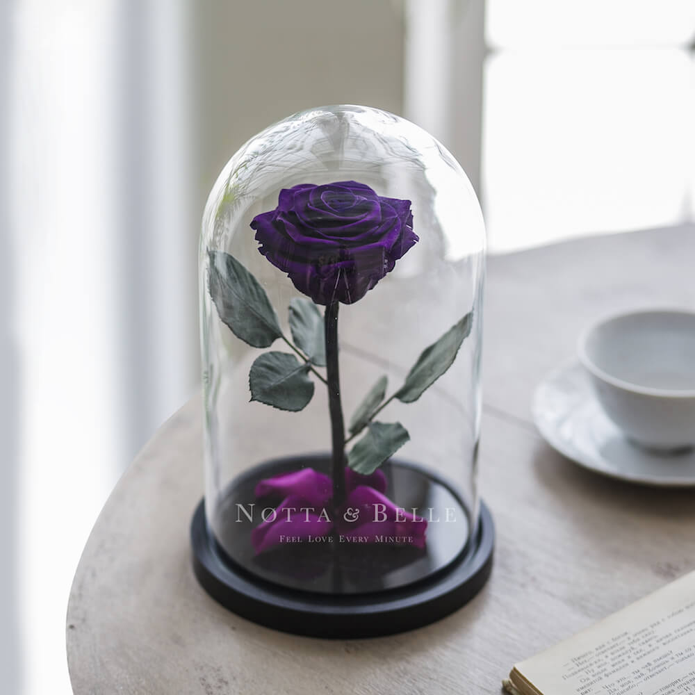 Фиолетовая роза в колбе Premium