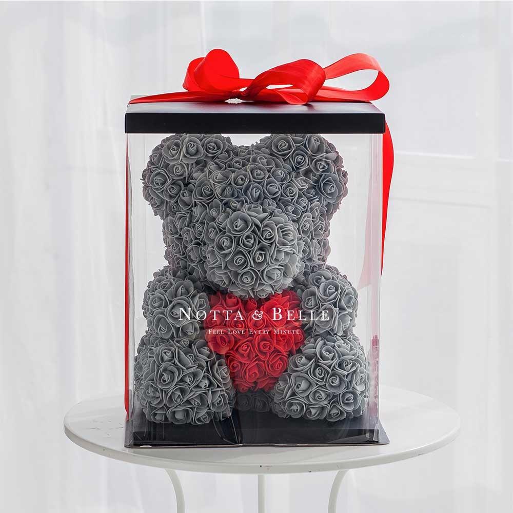 Коробка для мишки из роз в подарок