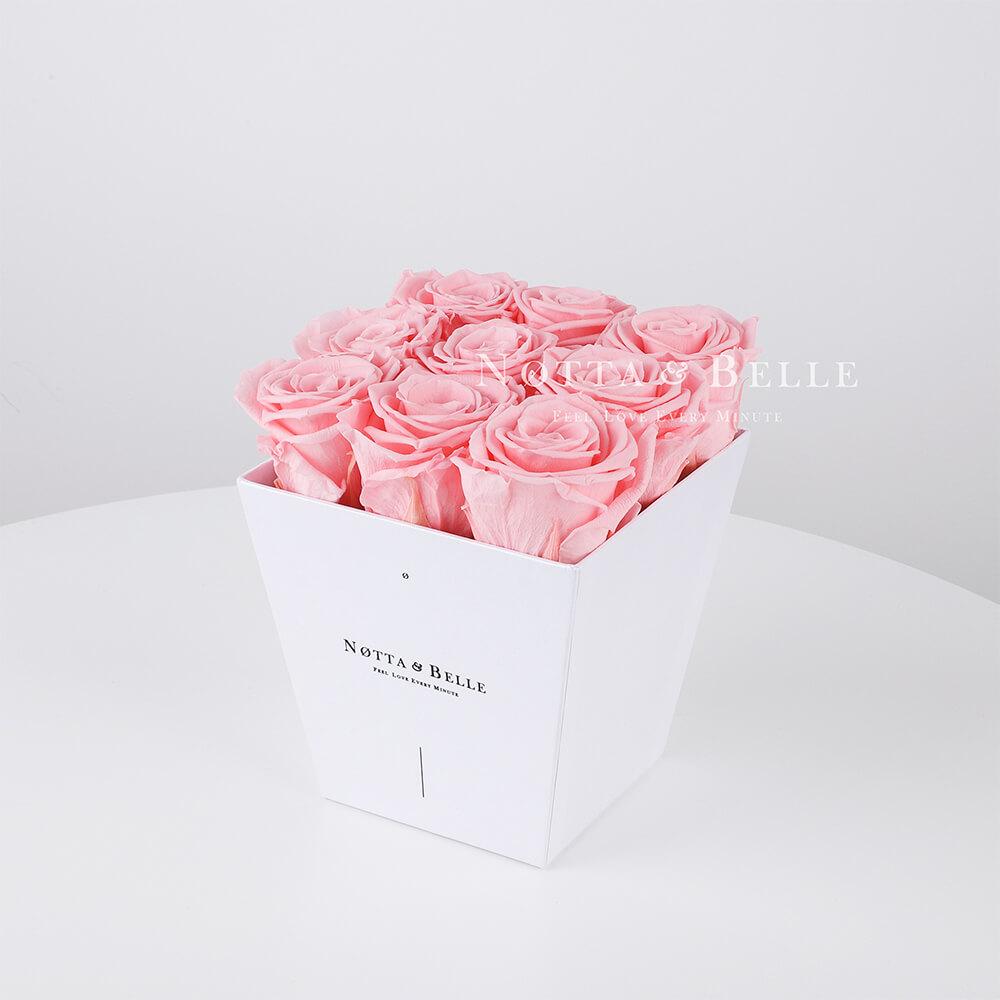 Růžová kytice «Forever» v bílé krabičce - 9 ks