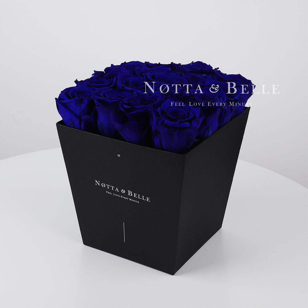 Modrá kytice «Forever» v černé krabičce - 17 ks