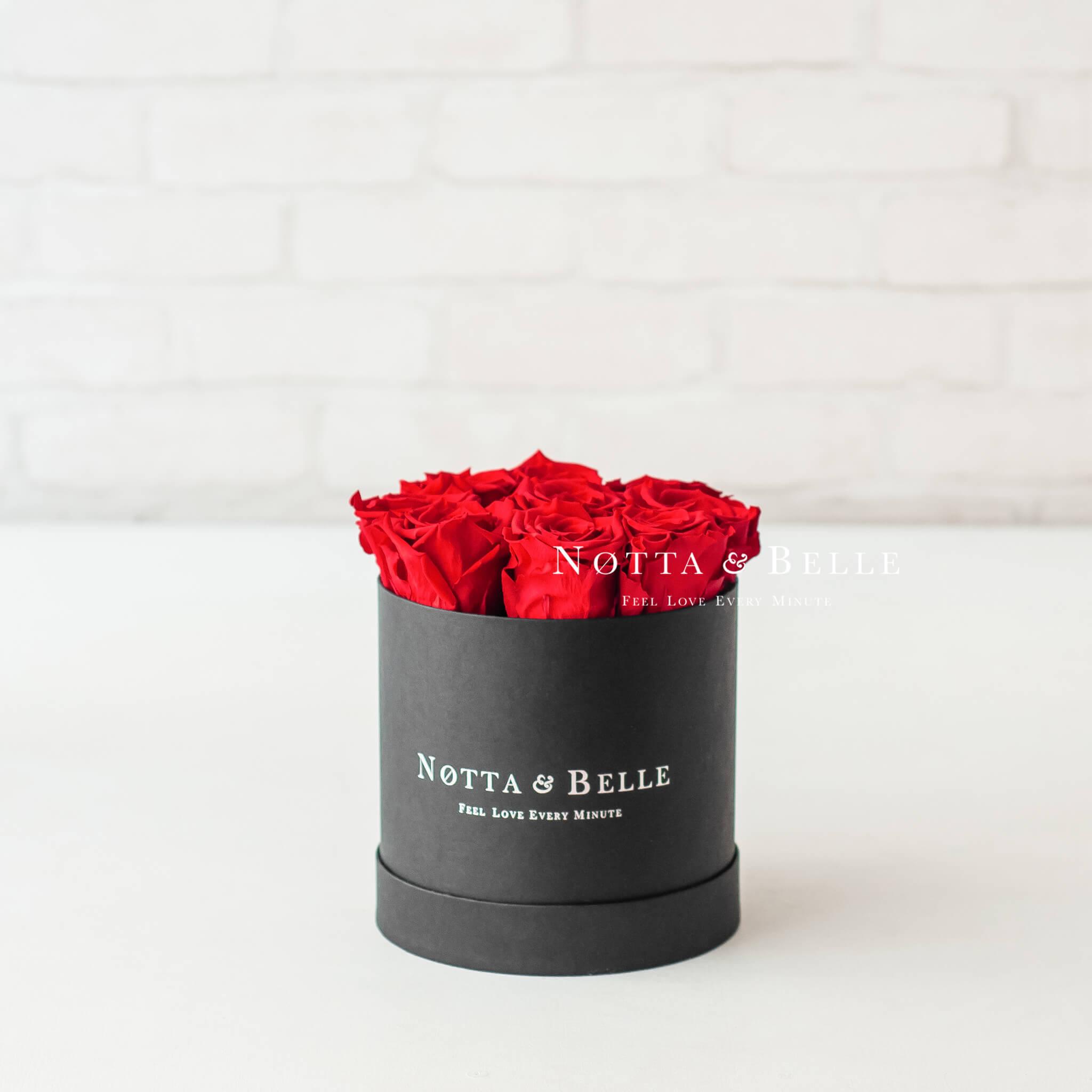 Červená kytice «Princess» v černé krabičce - 9 ks