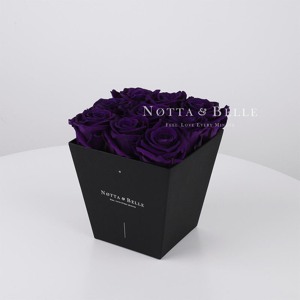 Fialová kytice «Forever» v černé krabičce - 9 ks