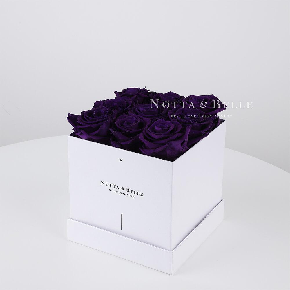 Fialová kytice «Romantic» v bílé krabičce - 9 ks