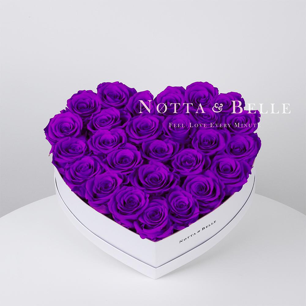Fialová kytice «Love» v bílé krabičce - 27 ks
