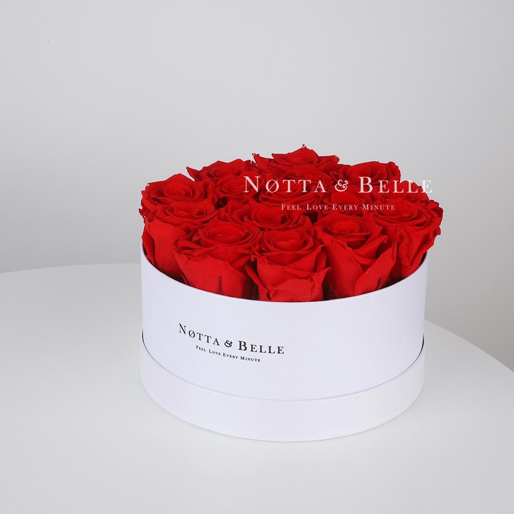 Červená kytice «Princess» v bílé krabičce - 15 ks
