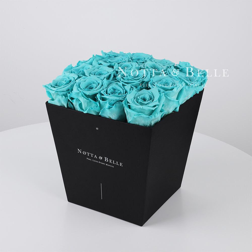 Ramo turquesa «Forever» en una caja negra - 17 piezas