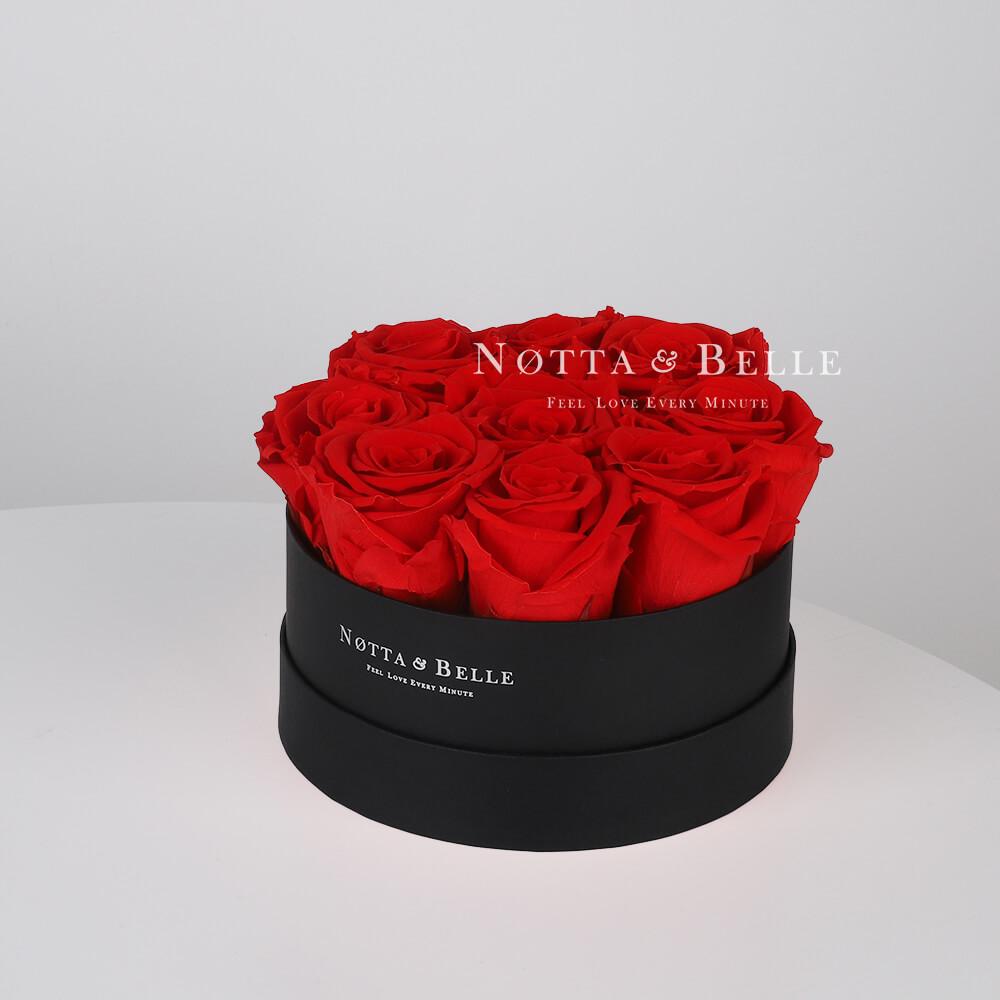 Ramo rojo «Princess» en una caja negra - 9 piezas