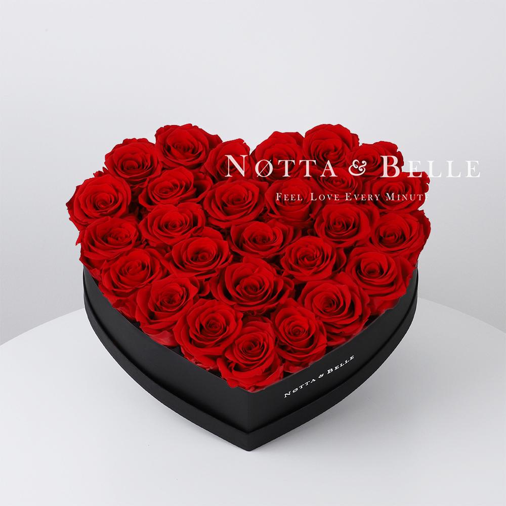Ramo rojo «Love» en una caja negra - 27 piezas