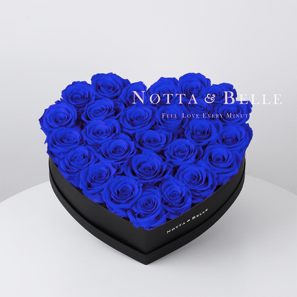 Ramo azul «Love» en una caja negra - 27 piezas