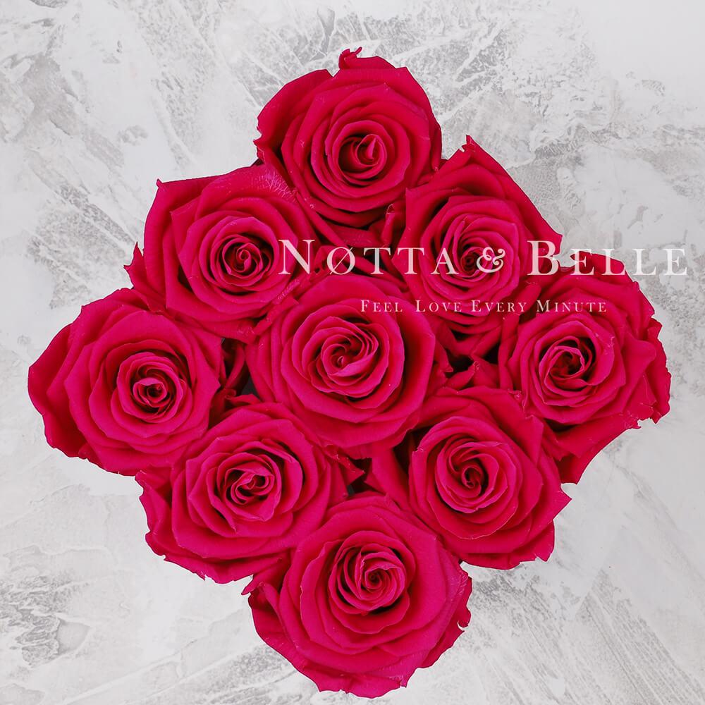 Mazzo colore rosa acceso «Romantic» in una scatola bianca - 9 pz.