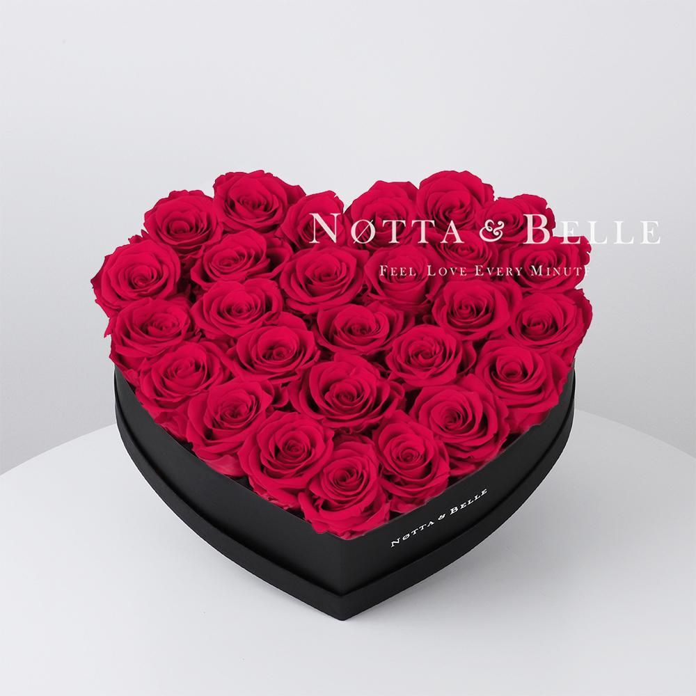 Mazzo colore rosa acceso «Love» in una scatola nera - 27 pz.