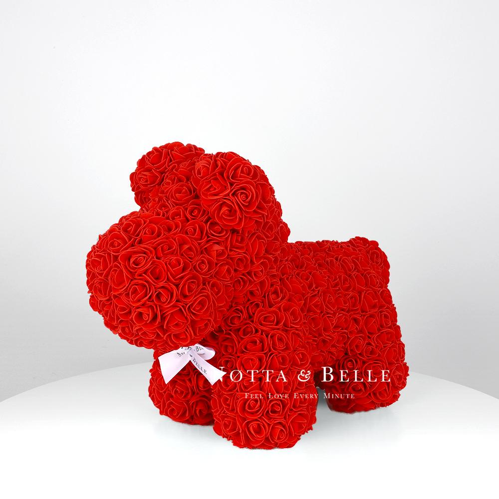 Красная собачка из роз - 35 см