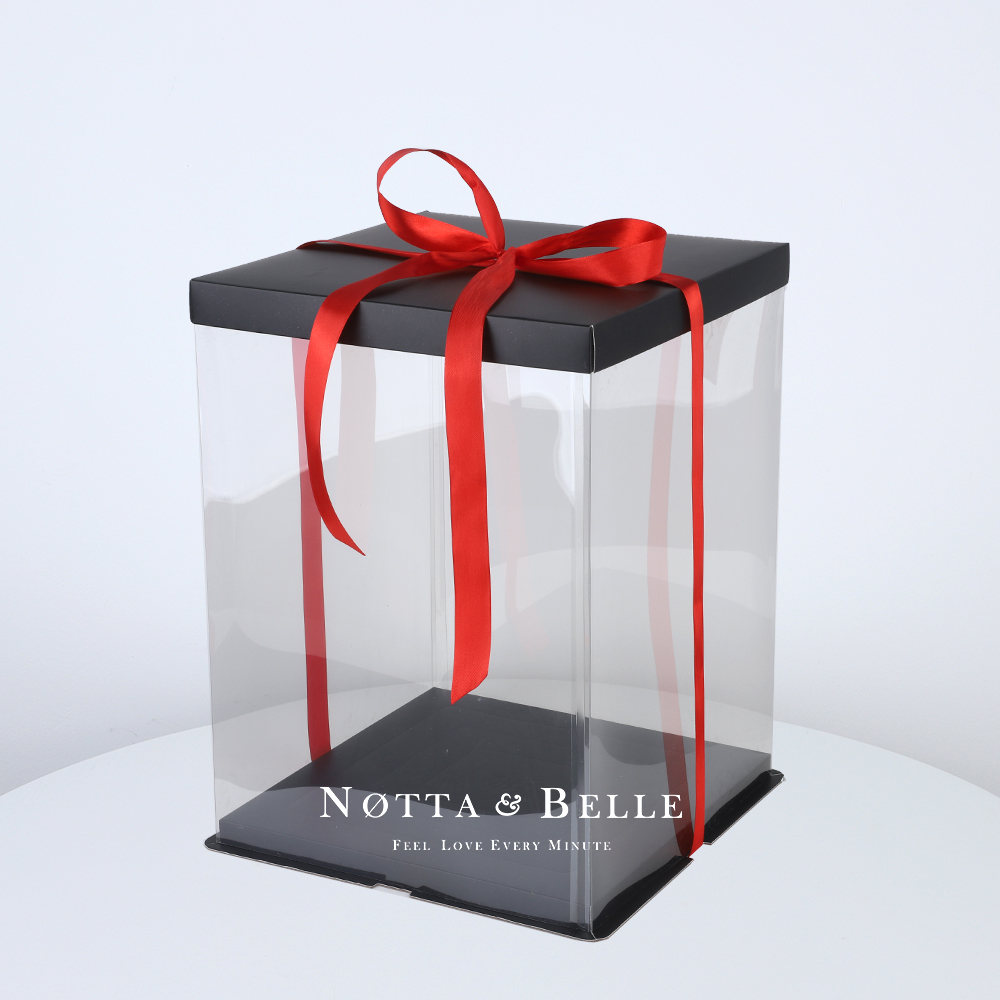 Подарочная коробка для мишки из роз 55 см.