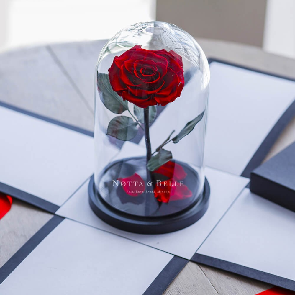 Черная коробка для розы в колбе