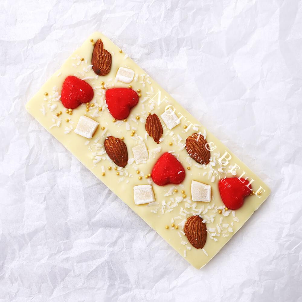 Белая плитка шоколада от Notta & Belle