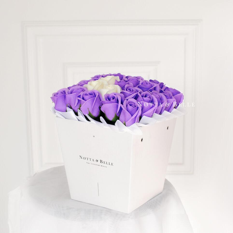 Мыльные розы лавандового цвета №451 White