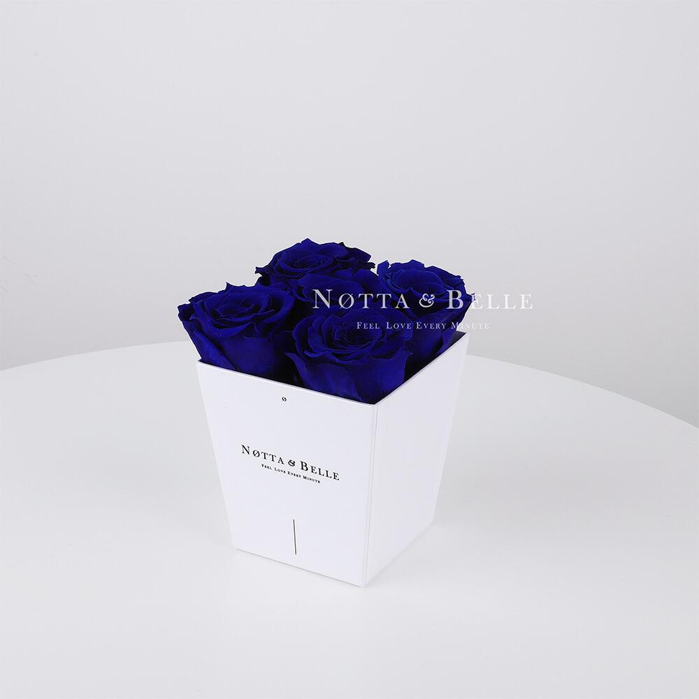 Долговечный букет из 5 синих роз - № 031