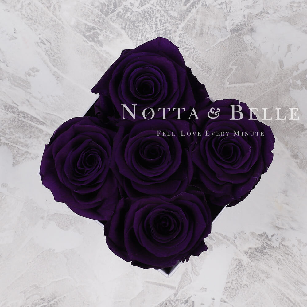 Долговечный букет из 5 фиолетовых роз - №054