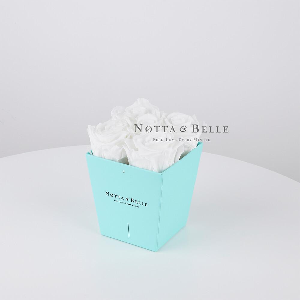 Долговечный букет из 5 белых роз - №083