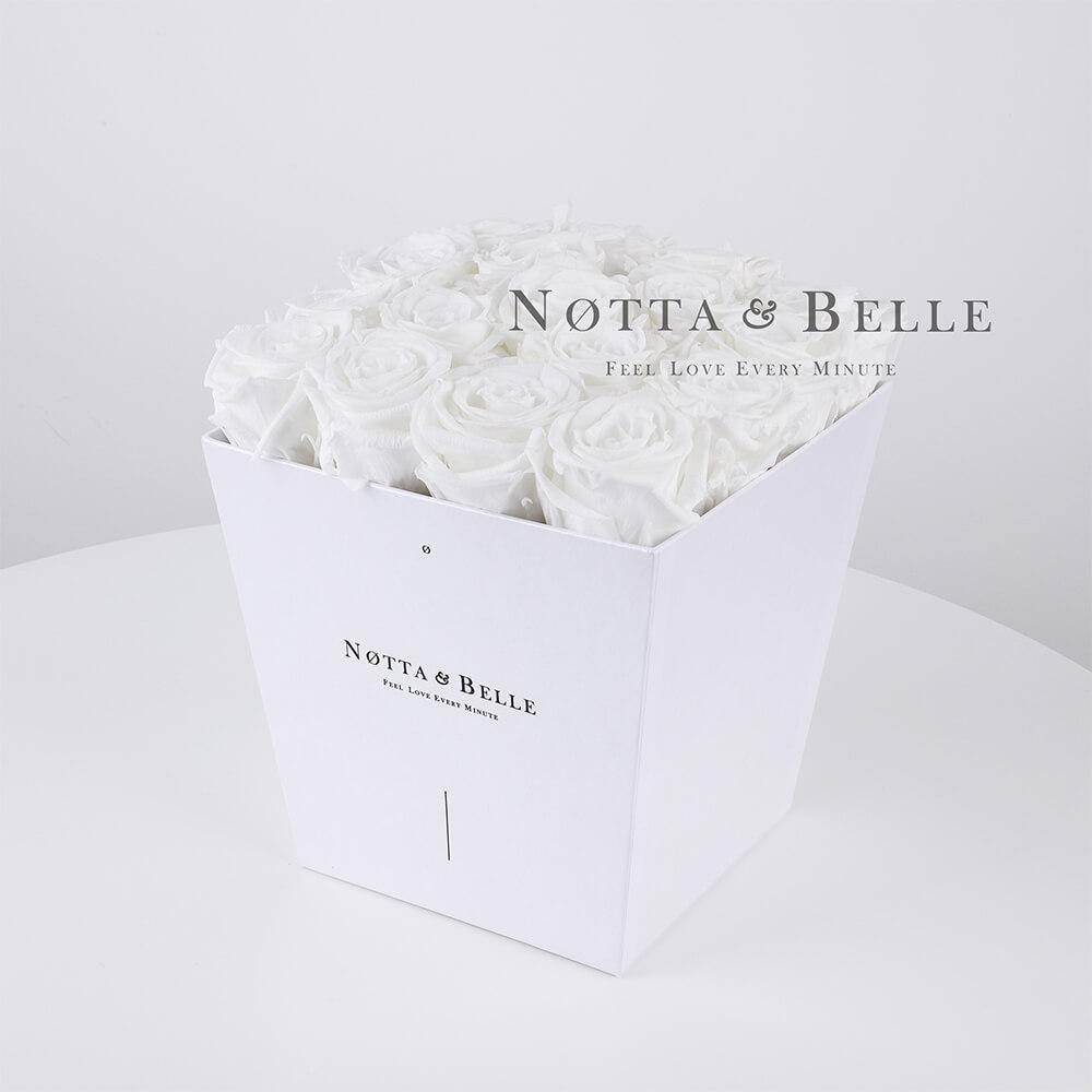 Долговечный букет из 17 белых роз - №281