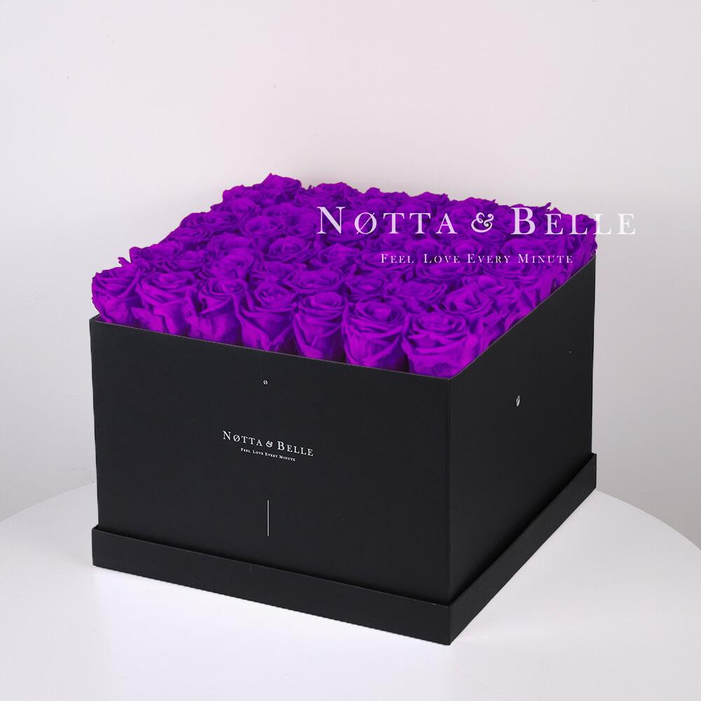 Dolgovechnyy buket iz 49 fioletovyh roz - №752