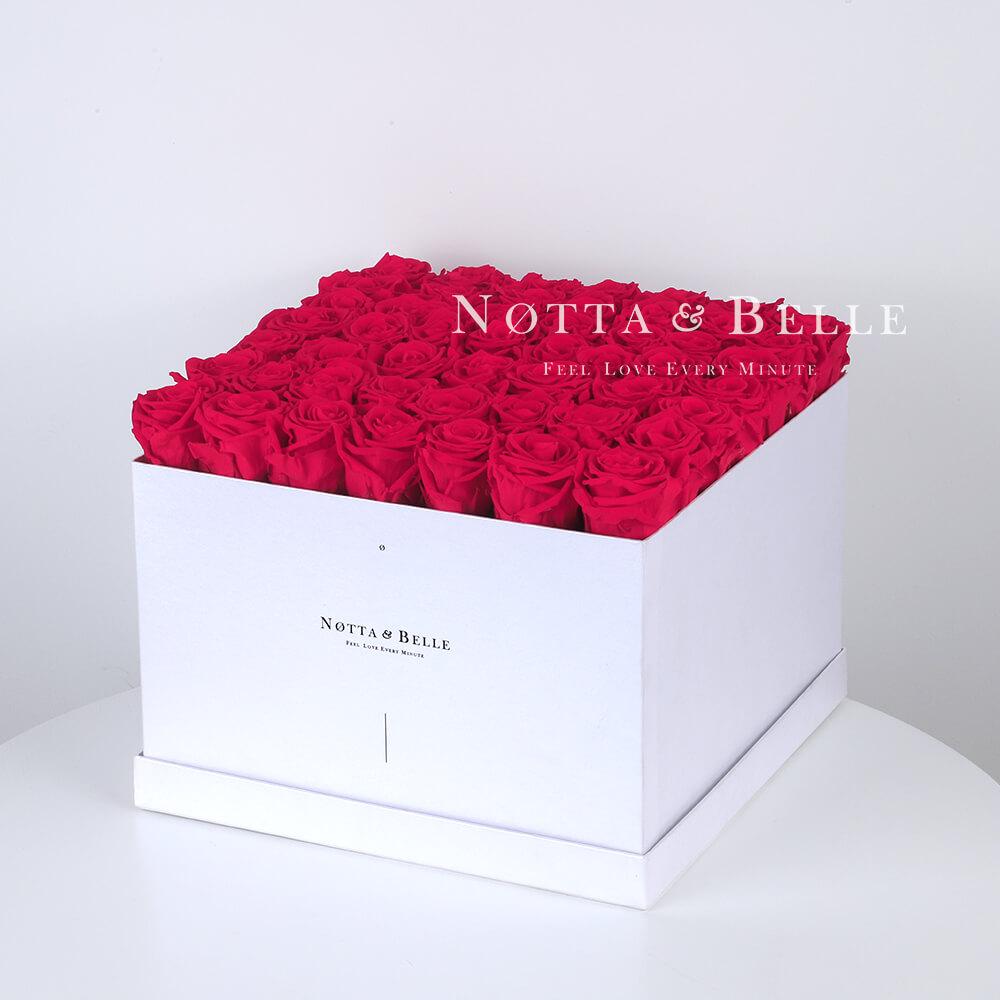 Долговечный букет из 49 ярко розовых роз - №761