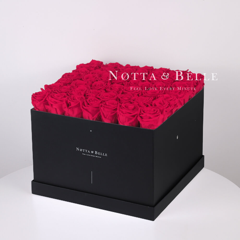 Долговечный букет из 49 ярко розовых роз - №762