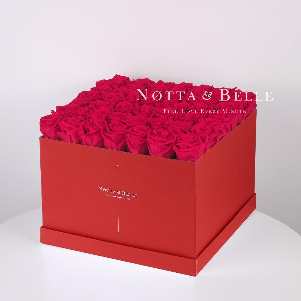 Долговечный букет из 49 ярко розовых роз - №764