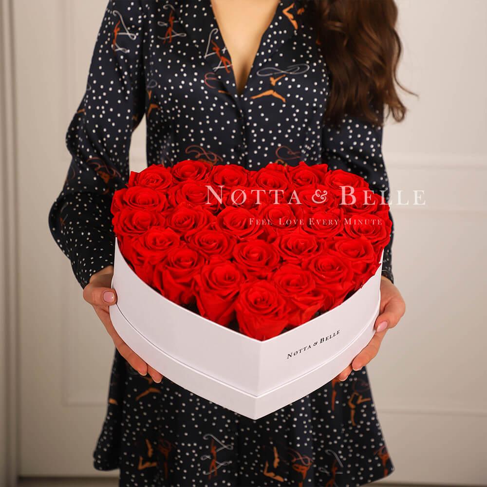 Долговечный букет из 27 красных роз - №911