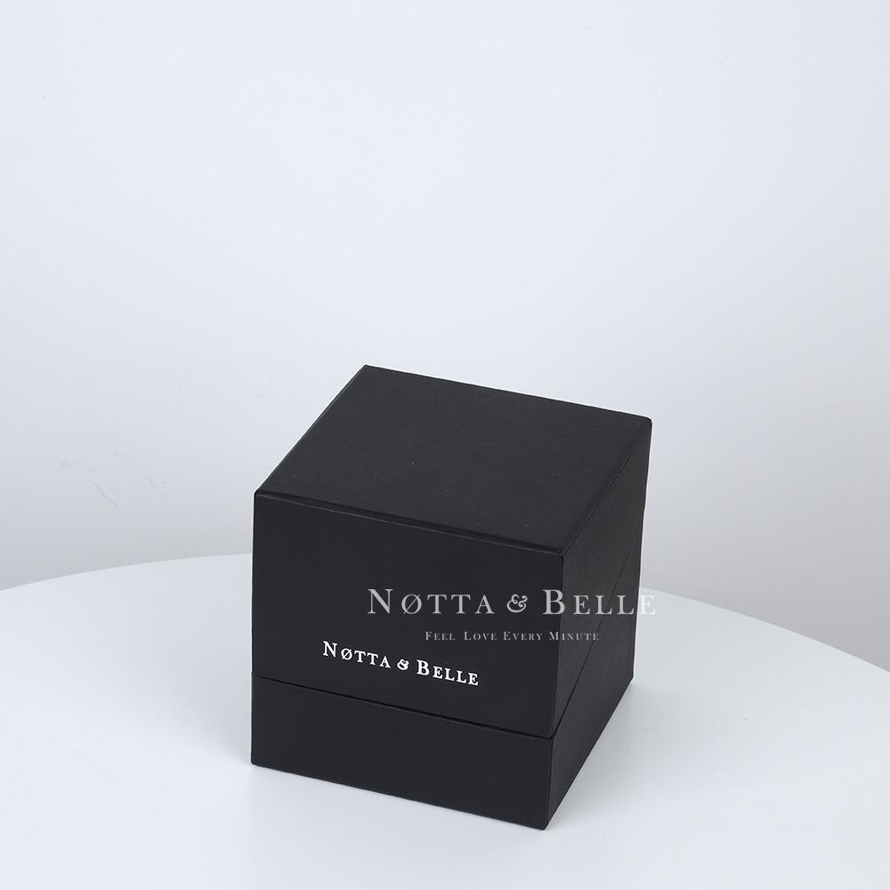 Rosa roja en caja negra Premium