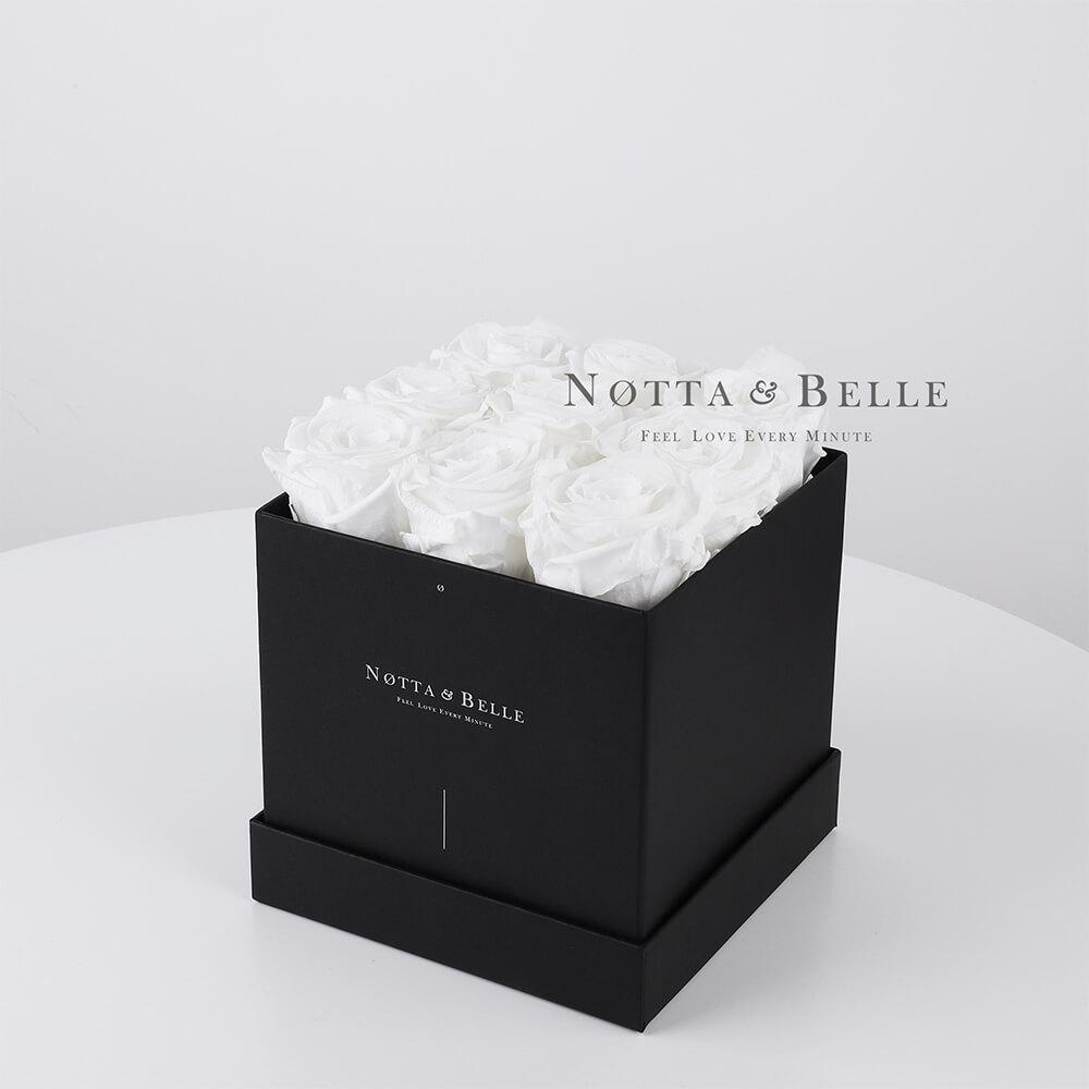 Mazzo colore bianca «Romantic» in una scatola nera - 9 pz.