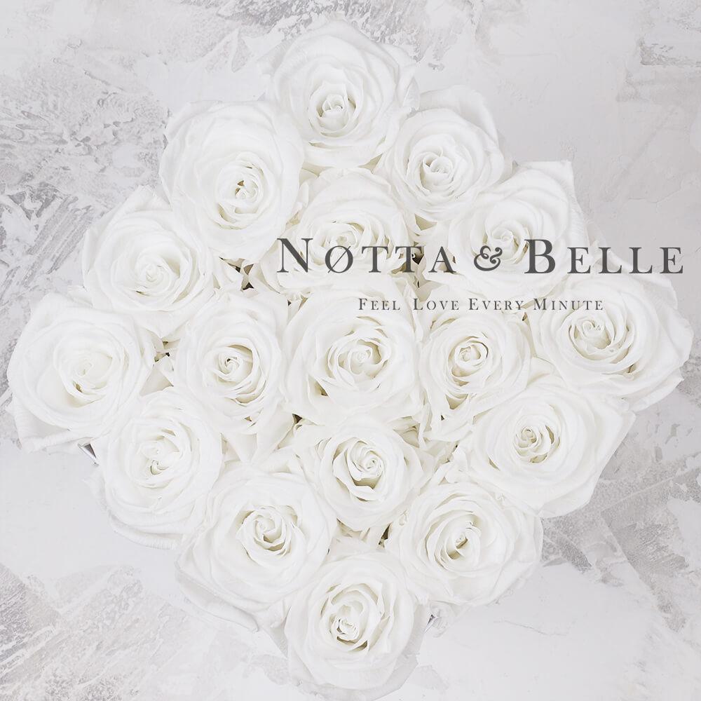 Bílá kytice «Forever» v bílé krabičce - 17 ks