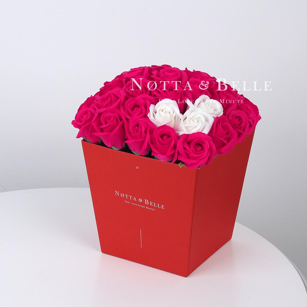 Мыльный букет цвета фуксии №464 из 35 розы