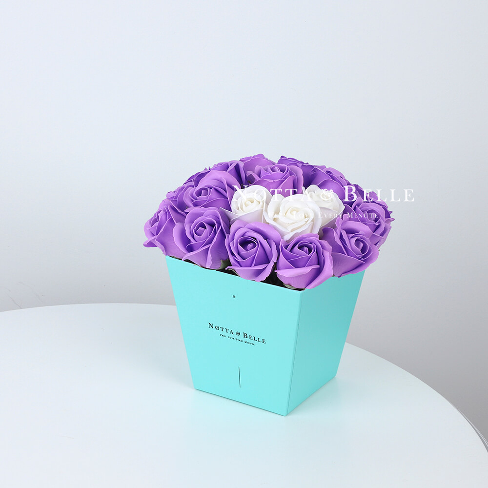 Мыльный букет лавандового цвета №273 из 21 розы