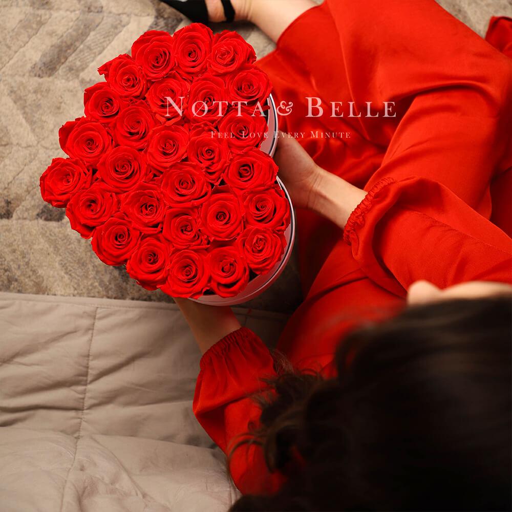 Mazzo colore rosso «Love» in una scatola bianca - 27 pz.