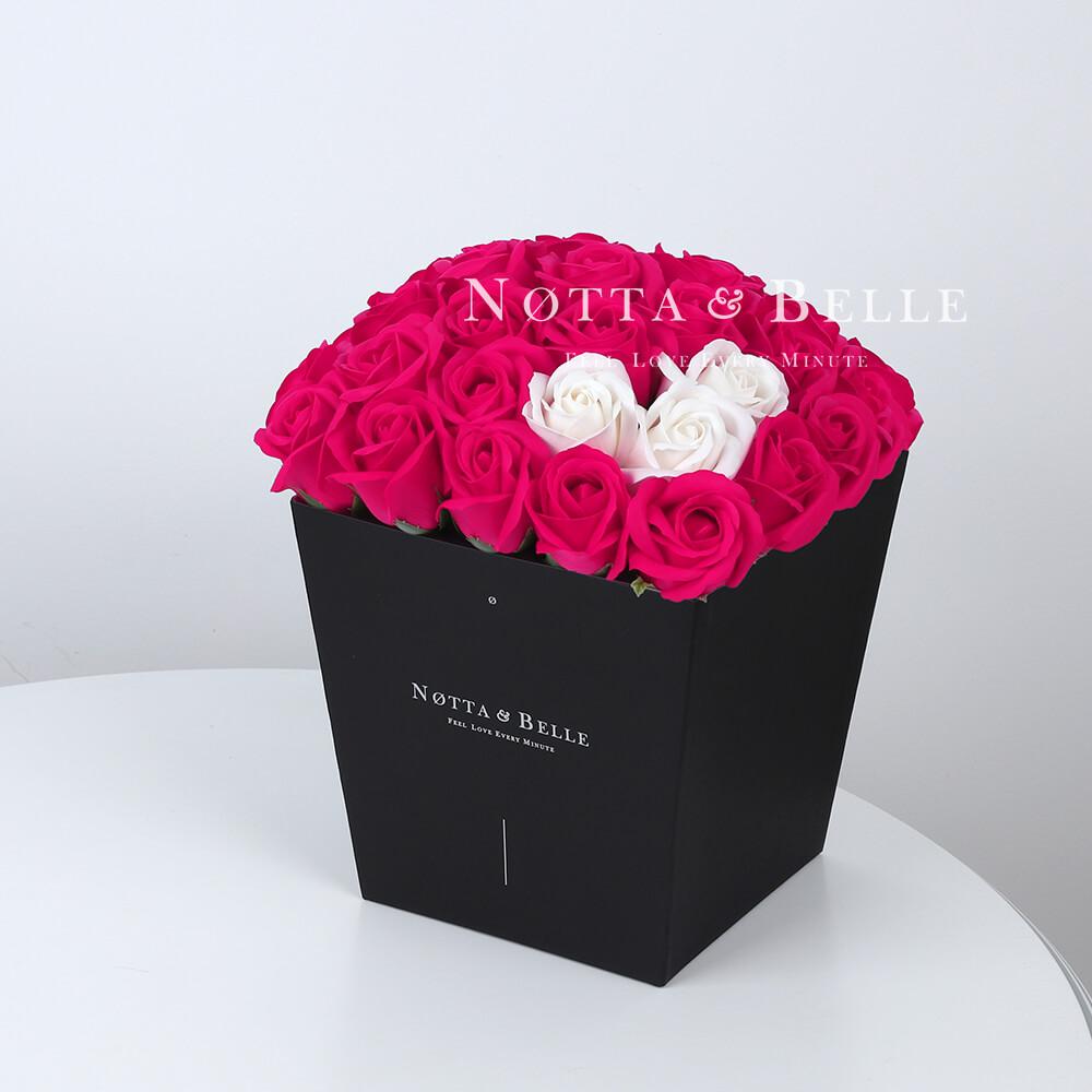 Мыльный букет цвета фуксии №462 из 35 розы
