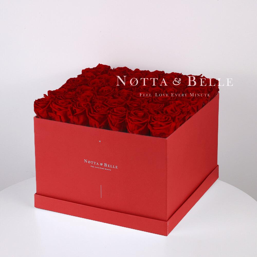 Долговечный букет из 49 бордовых роз - №764