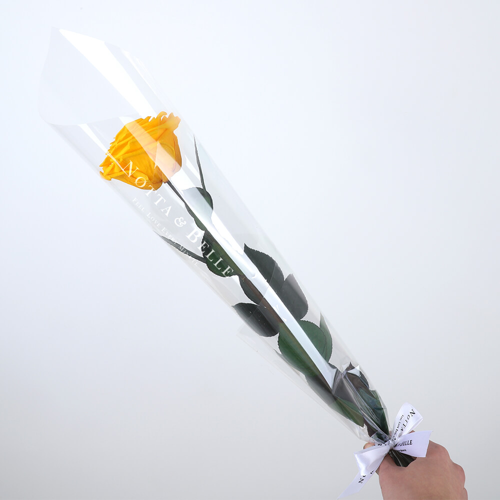Жёлтая роза на стебле - Premium