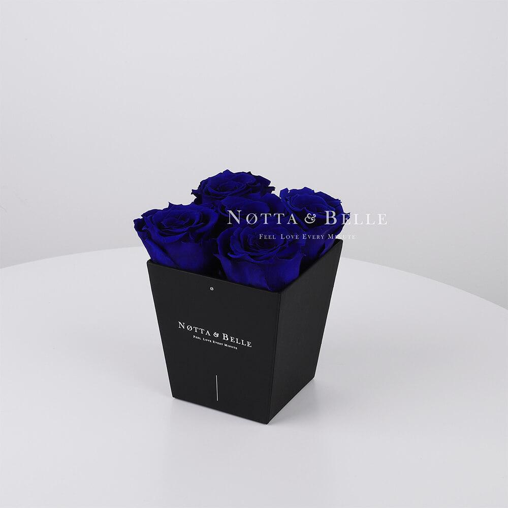 Долговечный букет из 5 синих роз - № 032