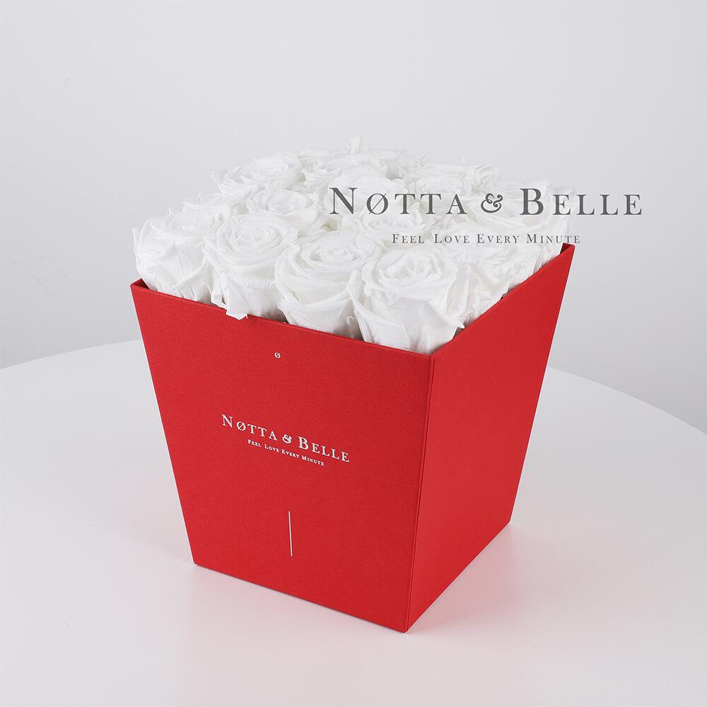 Долговечный букет из 17 белых роз - №284