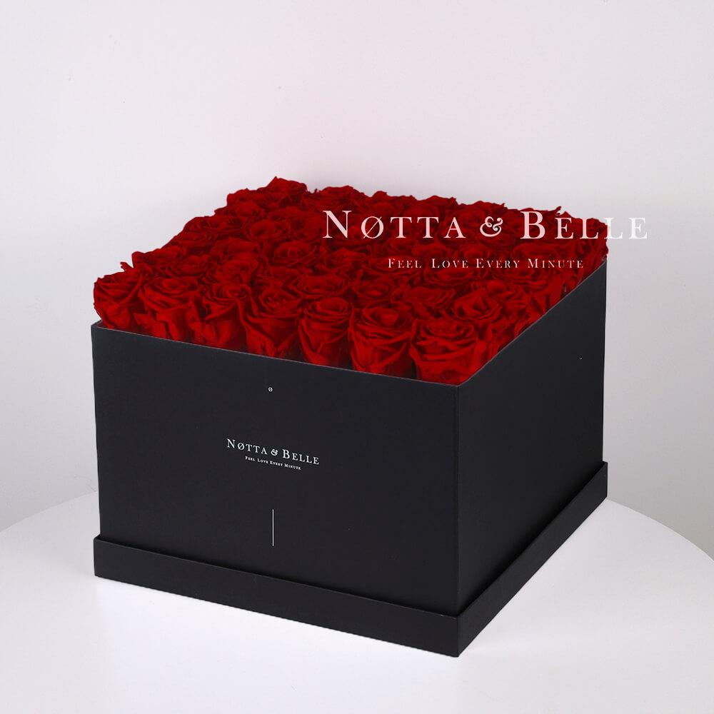 Долговечный букет из 49 бордовых роз - №762