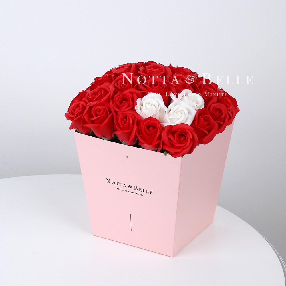 Мыльный букет красного цвета №415 из 35 розы