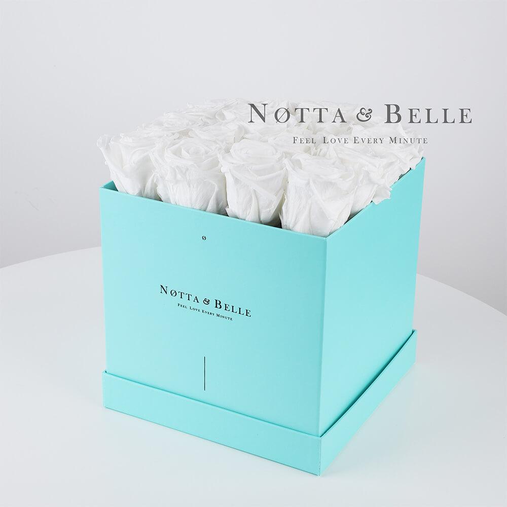 Долговечный букет из 17 белых роз - №483