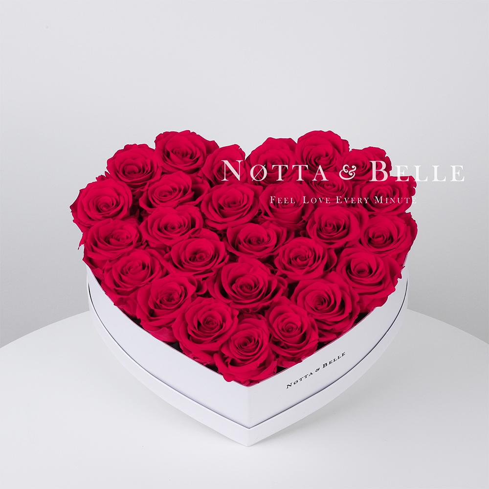 Jasně růžová kytice «Love» v bílé krabičce - 27 ks